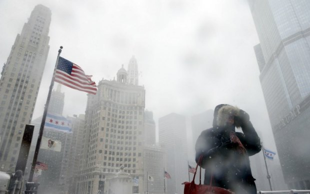 Its freezing cold in Chicago. Photo credit: Jim Young/Reuters