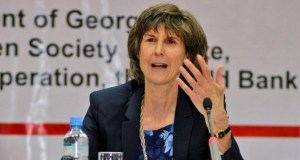 Laura Tuck  Fresh World Bank funding for water in Africa, India Laura Tuck