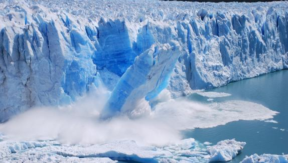The disappearance of glaciers is considered by scientists as one of the clearest signs of climate change. Photo credit: beforeitsnews.com  Ten indicators the climate is changing melting glaciers