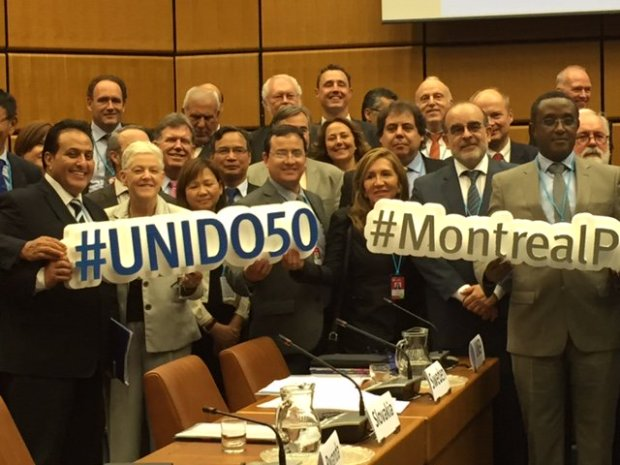 In Vienna, countries committed to do everything they can to get HFCs phase down amendment in 2016. Photo credit: Gina McCarthy/Twitter