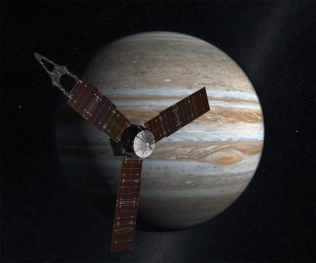 Juno probe enters Jupiter's orbit  NASA's Juno space probe arrives Jupiter's orbit Juno e1467760264767