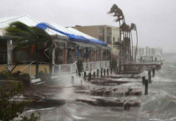 disaster  WWD17: Strengthening collaboration to reduce disaster risk hurricane matthew waves e1476394354385