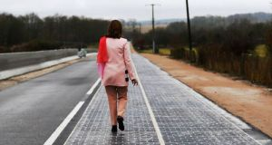 France-has-Worlds-First-Solar-Panel-Road-6