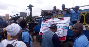 Achike-Chude-protesters