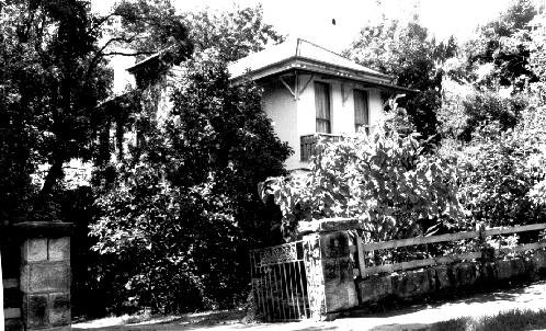 Dahinda 43 Grandview Street, Pymble by: Robert Moore, Penelope Pike, Helen Proudfoot