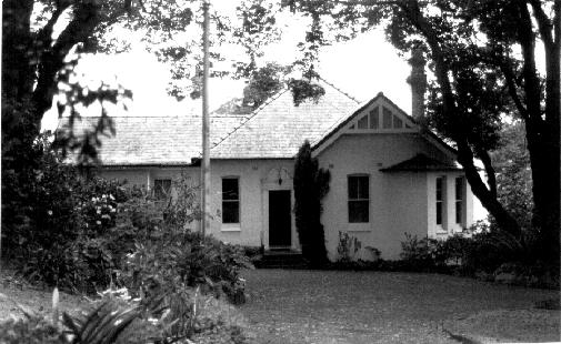 66 Livingstone Avenue, Pymble; by: Robert Moore, Penelope Pike, Helen Proudfoot