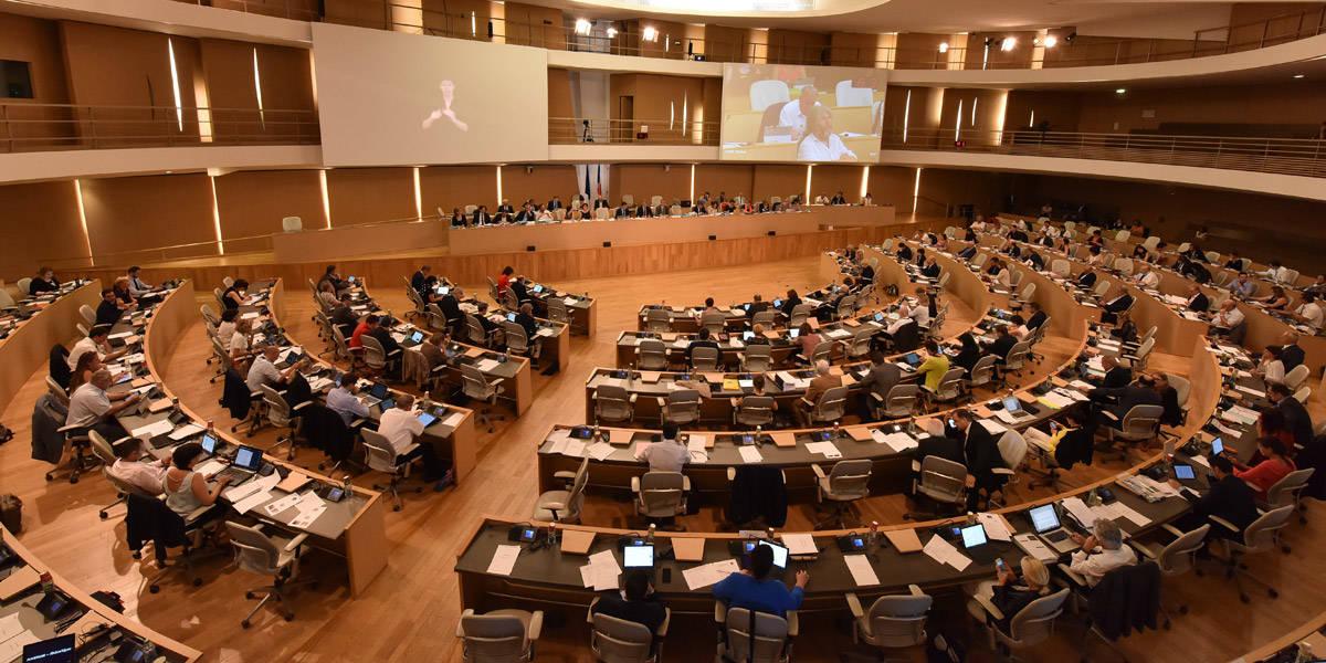 Carburants et produits énergétiques : la Région ne vote pas d'augmentation des taux