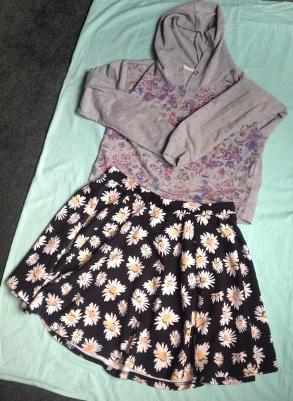 cotton on daisies skirt