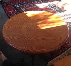 Big round pre owned round coffee table