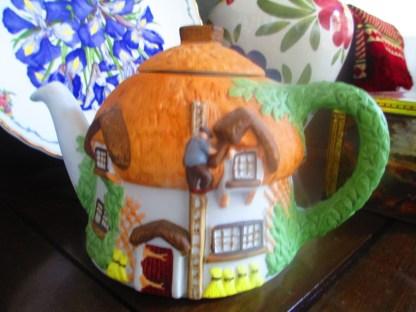 staffordshire cottage teapot christopher wren