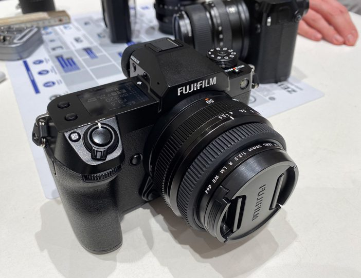 Hands-on with the Fuji GFX 100S