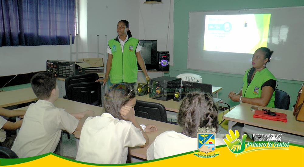 Campaña 'Pilas con el Ambiente' se toma los colegios de la ciudad (3)