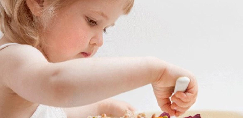Os 6 erros mais comuns na hora de alimentar seu filho