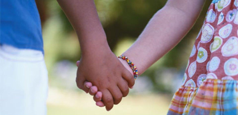 4 Maneiras de ensinar solidariedade aos filhos