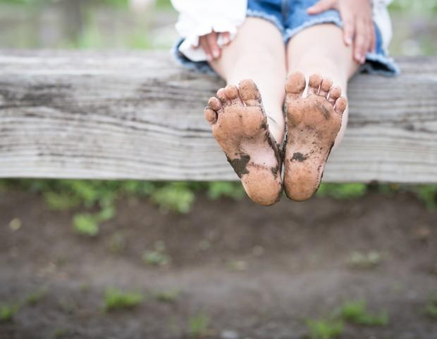 Crianças que crescem descalças têm melhor equilíbrio