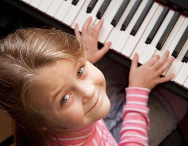 Música ajuda crianças no desenvolvimento da linguagem