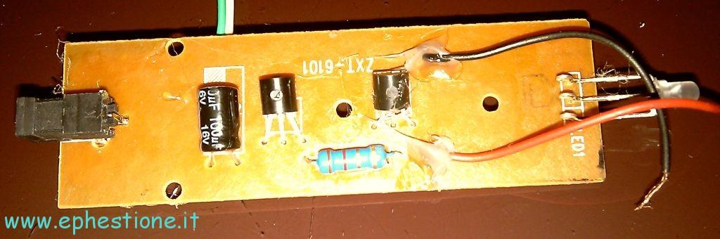 Schema Elettrico Pannello Solare Batteria : Costruire un caricatore a pannello solare con batteria di