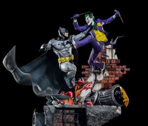 Iron Studios DC Comics Statue Batman vs Joker
