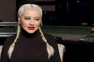 Addams Family Movie - Celebrity Interview Christina Aguilera & Chloe Grace Moretz