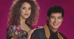 Set Photos Offer First Look at Mario Lopez and Elizabeth Berkley in Saved By the Bell Reboot