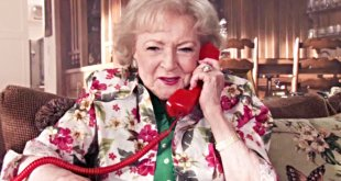 Betty White Is a Santa Coach in New Lifetime Christmas Movie