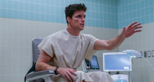 Upload Amazon Show Review: Robbie Amell Charms in Sci-Fi Comedy