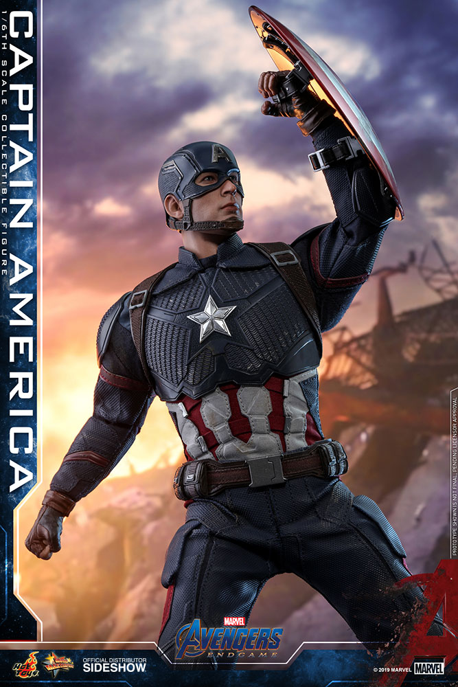 Hot Toys Captain America action