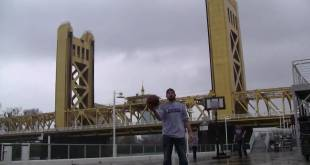 Tower Bridge Shot | Dude Perfect & Tyreke Evans 3