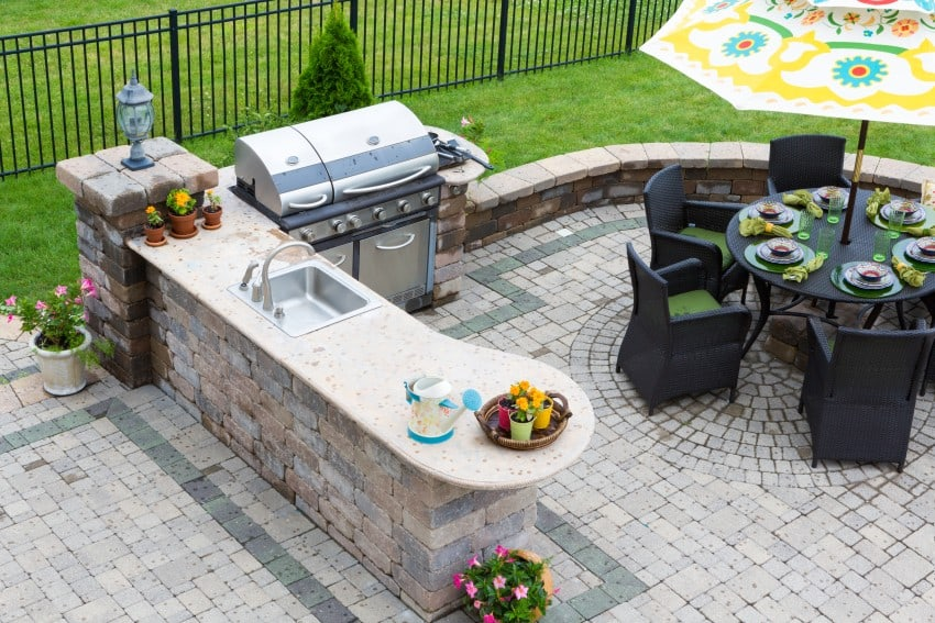 Patio Designs and Layouts   Epic Home Ideas on Garden Patio Designs And Layouts id=25330