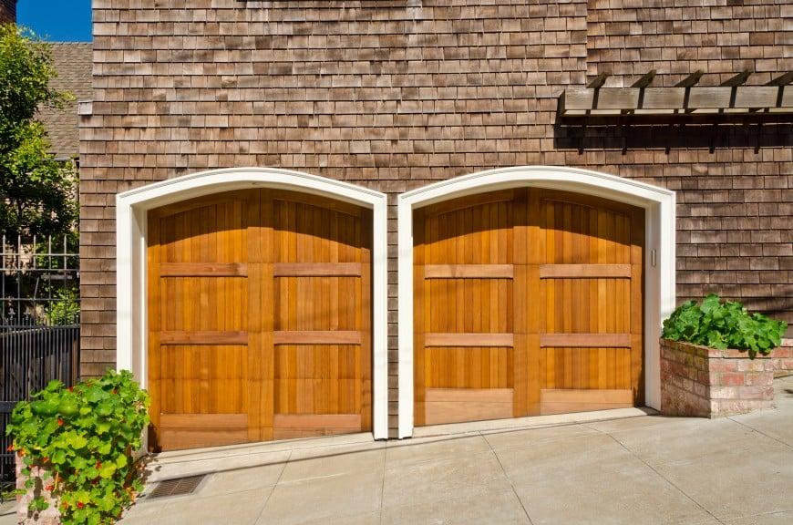 54 Cool Garage Door Design Ideas (PICTURES) on Garage Door Ideas  id=27056