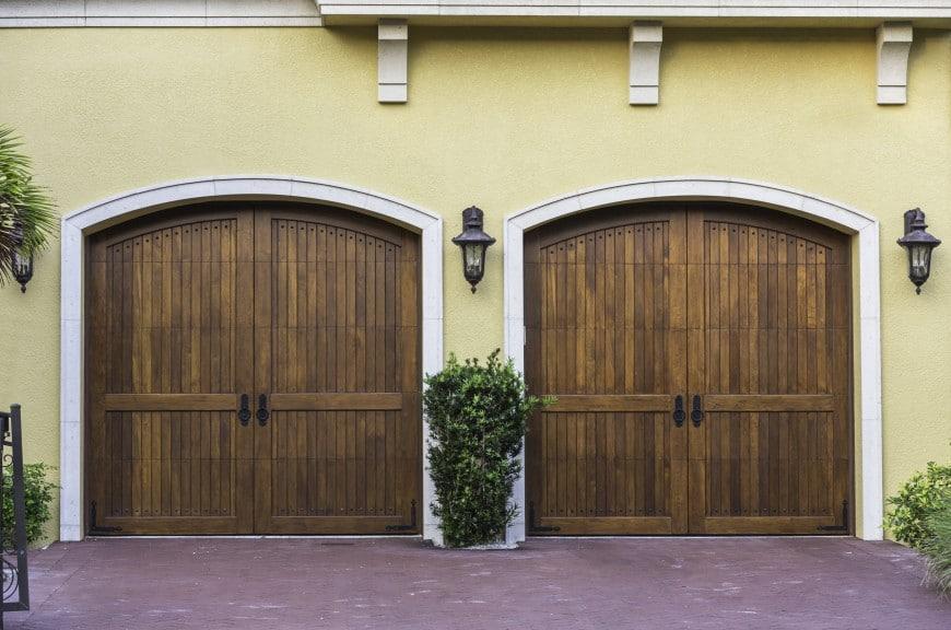 54 Cool Garage Door Design Ideas (PICTURES) on Garage Door Ideas  id=70164