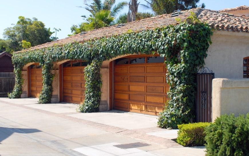 54 Cool Garage Door Design Ideas (PICTURES) on Garage Door Ideas  id=81399