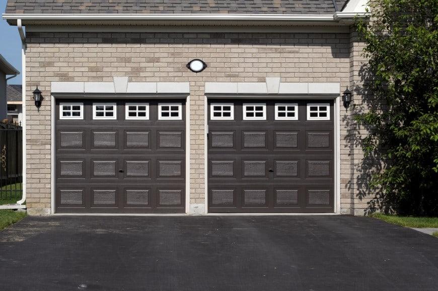 54 Cool Garage Door Design Ideas on Houses (With PICTURES) on Garage Door Color Ideas  id=14925