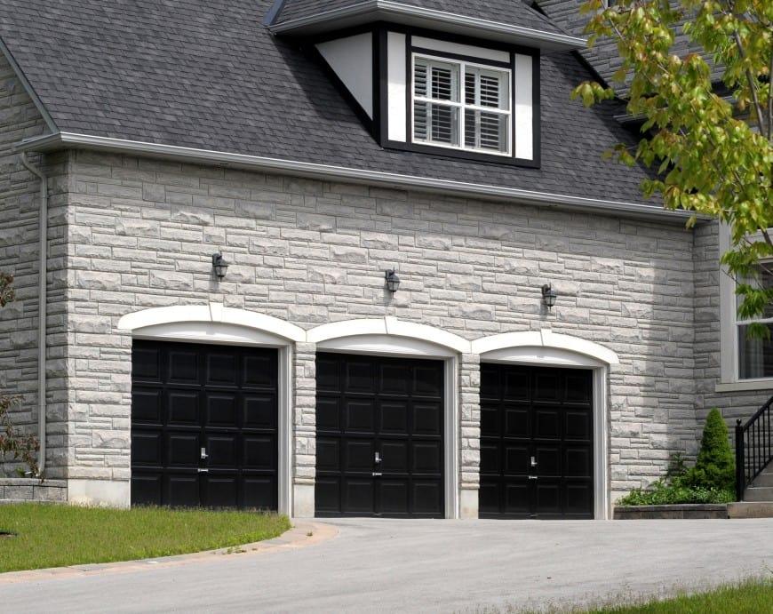54 Cool Garage Door Design Ideas on Houses (With PICTURES) on Garage Door Ideas  id=47605