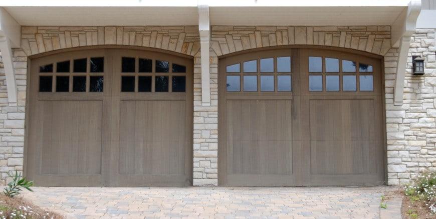 54 Cool Garage Door Design Ideas on Houses (With PICTURES) on Garage Door Ideas  id=93427
