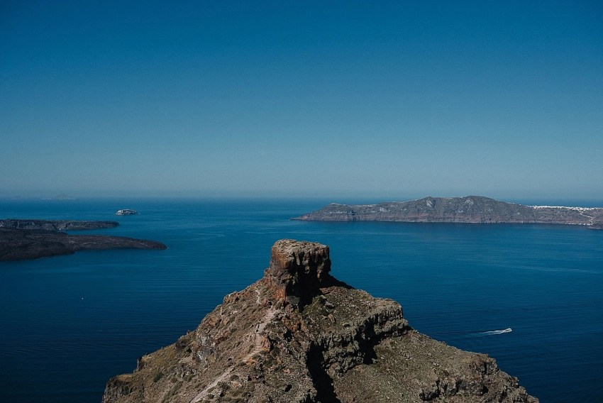 santorini-engagement-photography-elopement-wedding-photographer_0004
