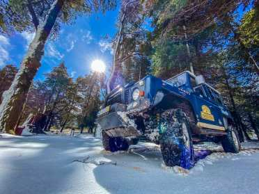 Snow and Land Rover in Madeira island