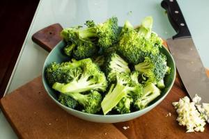 Broccoli has shown potential in reducing bad estrogen