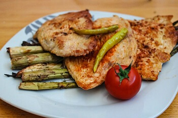 Lean meats are rich in vitamin b12 and zinc