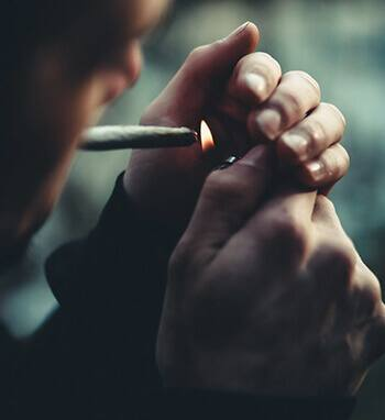 Smoking can harm your lungs