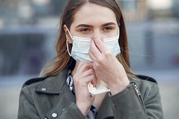Chewing gum helps fight colds and flu symptoms