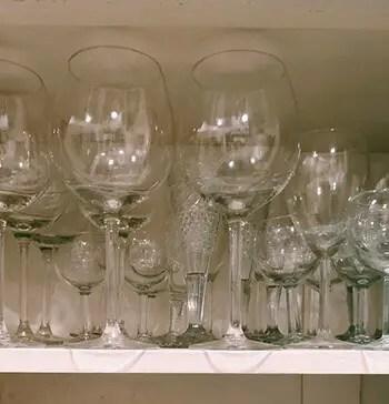 clean wineglasses
