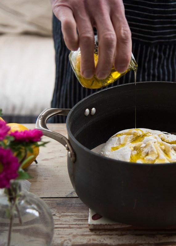 Lemon bread pouring oil 800 split