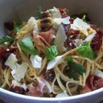 Sun Dried Tomato and Prosciutto Past with Ricotta