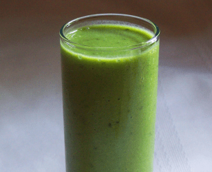 Green Grape, Kale, and Frozen Banana Smoothie