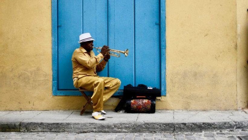 músico en la Vieja Havana (Cuba)