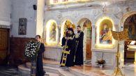 Joi, 5 aprilie, Preasfințitul Episcop Sebastian a săvârșit slujba Deniei celor 12 Evanghelii la Catedrala episcopală. În cuvântul de învățătură, Preasfinția Saa subliniat actualitatea lașității tuturor celor care au fost […]