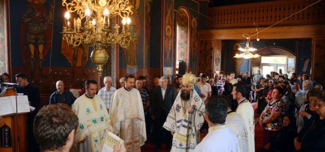 Luni, 21 mai, când Biserica Ortodoxă îi cinstește pe Sfinții Împărați Constantin și Elena, Preasfințitul Episcop Sebastian a slujit Sfânta Liturghie în biserica Parohiei Redișoara, com. Redea. În cuvântul de […]