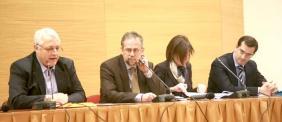 Από αριστερά Γ. Μητροπέτρος Πρόεδρος ΕΠΚΑ-ΣΤΕ, Δ. Σπυράκος Γενικός Γραμματέας Καταναλωτή, Ευθυμία Κινική , και Ιάκωβος Βενιέρης.