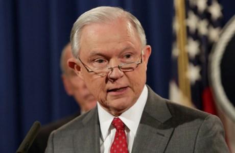 EUA: Departamento de Justiça acusa presidente de transportadora de urânio por suborno de funcionário russo